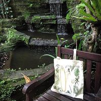 Profitez des derniers jours de vacances à Bali. ⠀⠀ Voilà où Sathyne a passé les fêtes de fin d'année, le retour à l'atelier sera pour lundi avec une belle et grande surprise 🥰 ⠀⠀ Tellement hâte de vous faire découvrir tout ça car la période de Noël n'était pas de tout repos, je pourrais même dire les 3 derniers mois. ⠀⠀ Mais voilà tout est prêt pour commencer l'année de bon pieds 🤪 ⠀⠀ 💋 ⠀⠀ #sathynebijoux #creatricebijoux ⠀⠀ #girlboss #viedemaman #mumpreneur #mamanentrepreneuse #creatricebijoux #totebag #travel #bali